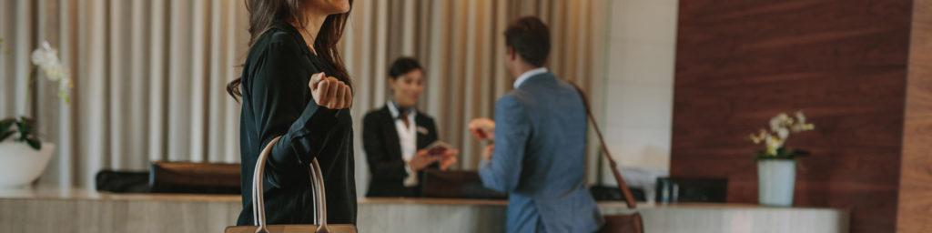 mostrador de facturación en un hotel