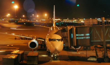 avión estacionado