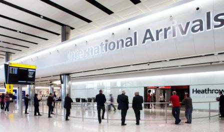 llegadas del aeropuerto de londres-heathrow